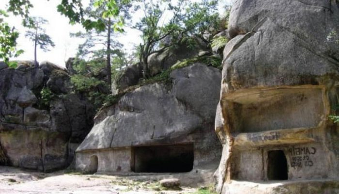 Фото скал в Карпатах